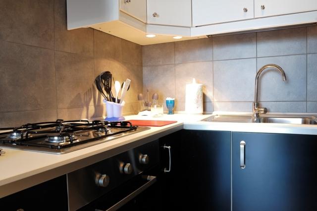 cucina trilocale fontane bianche